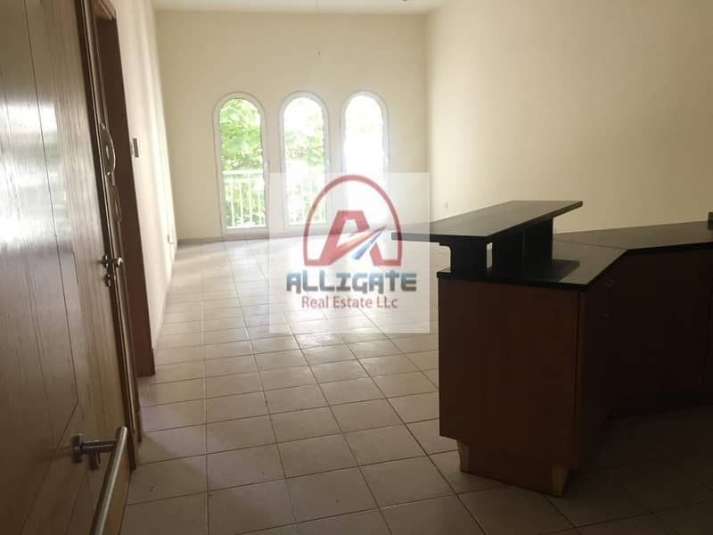 14 Amazing Furnished 1 Bed |Next to New Metro Station