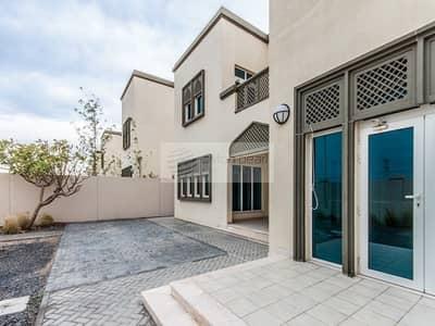 3 Bedroom Villa for Sale in Jumeirah Park, Dubai - Single Row  Villa|Facing Park | Close to Carrefour