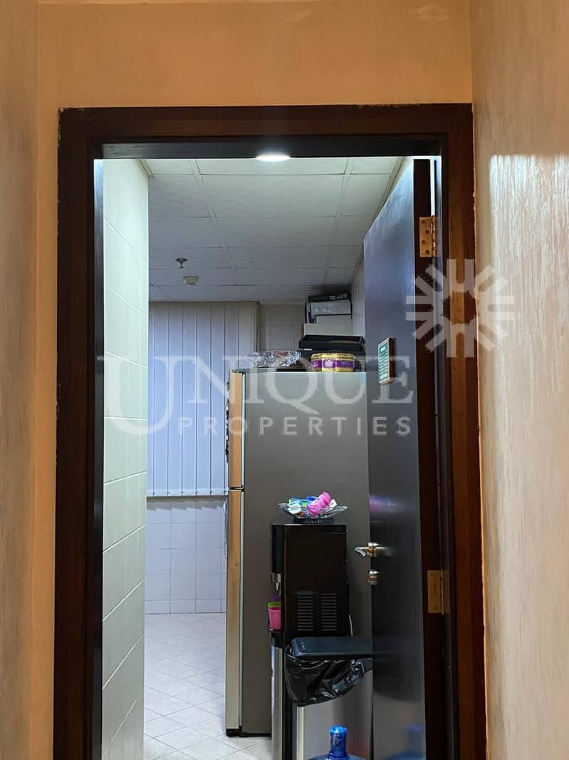 17 Well Maintained 2 Bhk   Prime Location