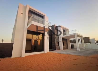 6 Bedroom Villa for Sale in DAMAC Hills (Akoya by DAMAC), Dubai - Golf Facing Luxurious Furnished Villa I Call Now