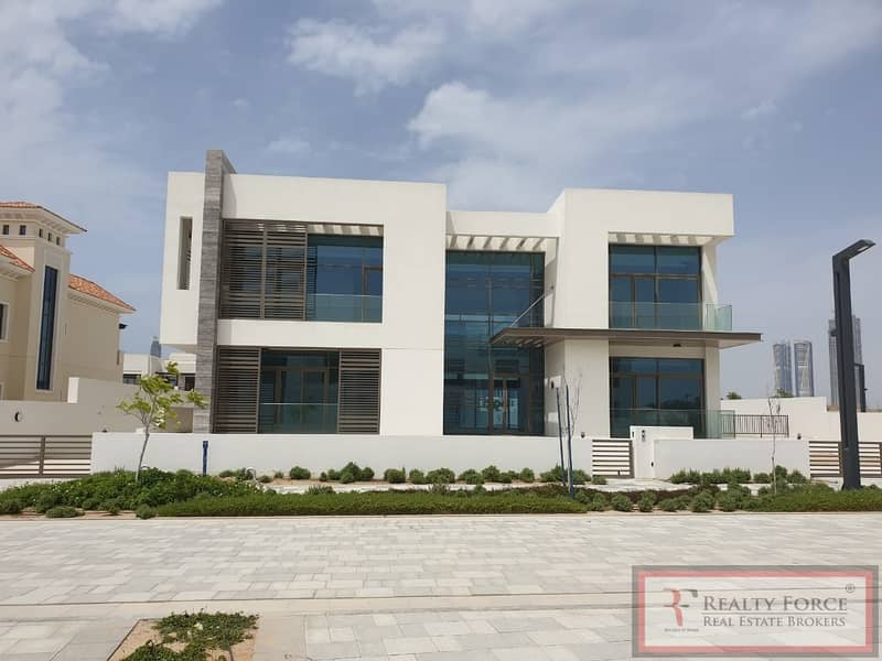 PRICED TO SELL |CONTEMPORARY MANSION|ON THE LAGOON