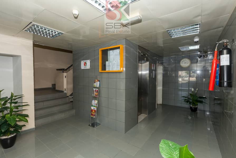 11 2BHK   FAMILY APARTMENT 38K  WITH PARKING