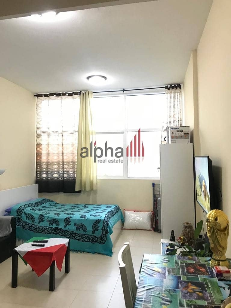 2 chiller free fully furnished studio for 25K 4chqs