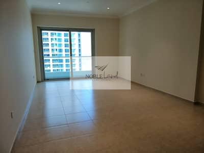 2 Bedroom Apartment for Sale in Dubai Marina, Dubai - Balcony | Remarkable Value | Vacant I Prime location marina walk