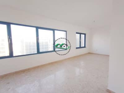 شقة 3 غرف نوم للايجار في شارع النجدة، أبوظبي - 2 Months Free! Neat & Clean  3BR Apt in Al Najda Street