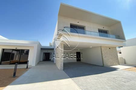 5 Bedroom Villa for Rent in Yas Island, Abu Dhabi - Landscaped 5BR Villa Facing the Golf Course