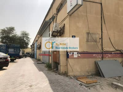 Warehouse for Rent in Al Khabisi, Dubai - 2800 sq. ft. Warehouse With Interior at Al Khabisi