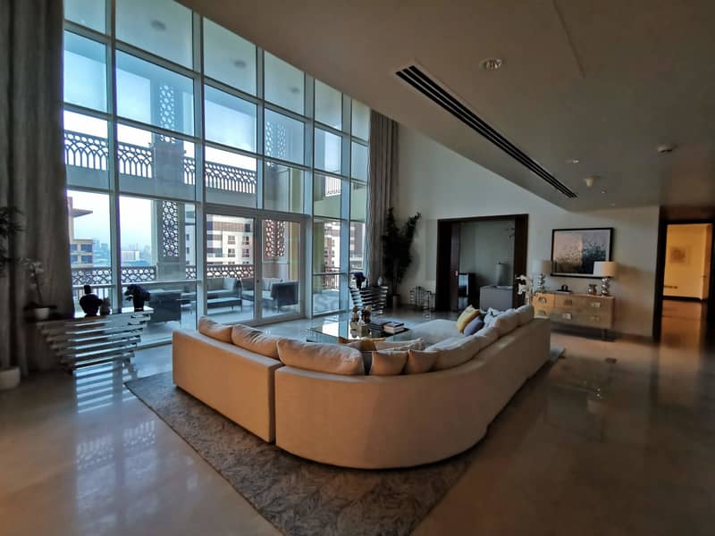 Best Deal Fully Upgraded and Furnished 4Br Penthouse