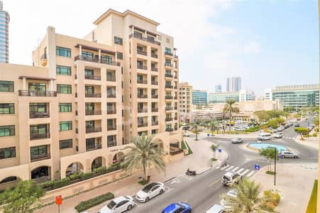 3 Bedroom Flat for Rent in The Greens, Dubai - Vacant / Wooden Floors / Sunset Facing