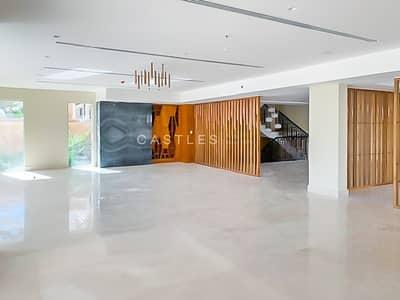 فیلا 5 غرف نوم للبيع في نخلة جميرا، دبي - Spectacular View- Luxury Finishing- 5 bed+maids+drivers