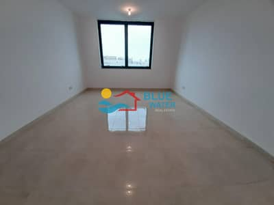 2 Bedroom Flat for Rent in Hamdan Street, Abu Dhabi - Amazing 2 BR With Parking On Hamdan.