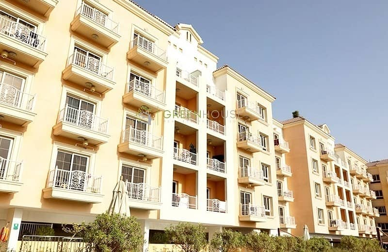 14 Bright 1 Bedroom Apt. with Big Terrace | Corner Unit | Open Kitchen | Arezzo