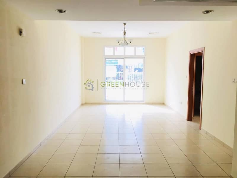 2 Corner Unit | Massive 1 Bedroom Apt. with Big Terrace | Open Kitchen | Arezzo