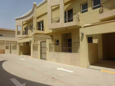High quality 5 bedroom compound  villa with private pool in Jumeirah 1