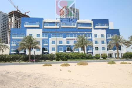 شقة 1 غرفة نوم للايجار في قرية جميرا الدائرية، دبي - Spacious 1BHK with Balcony |JVC Burj Residence at 33K