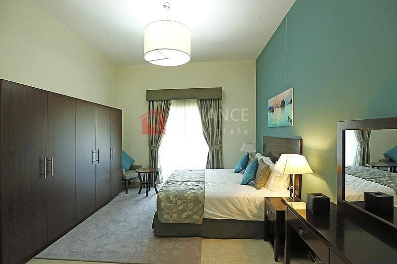 2 Fully Equipped Kitchen |Pool View | Middle Unit |1BR+Blcny