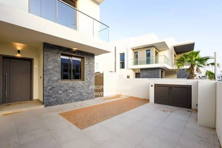 Simply The Best-Gorgeous  Brand New Duplex!
