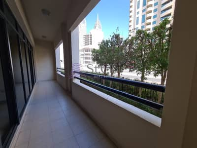 3 Bedroom Flat for Rent in The Greens, Dubai - 3bedroom+ Laundry/ Chiller Free/ Road View/ The Greens