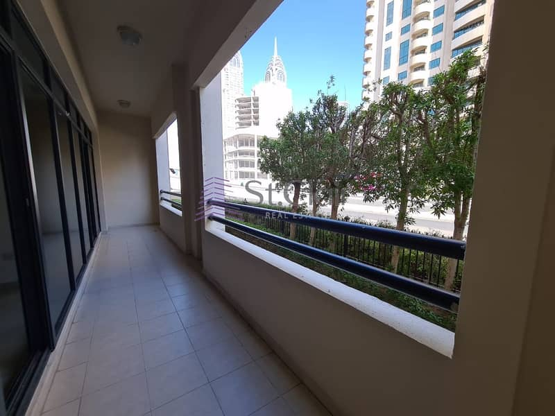 3bedroom+ Laundry/ Chiller Free/ Road View/ The Greens