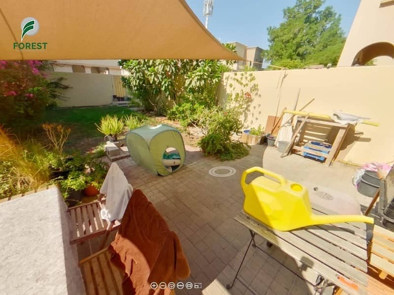 10 Type 4M | Near by Park | Ideal Location