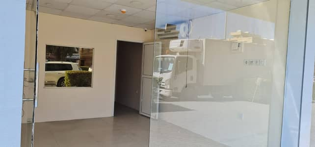 Shop for Rent in Al Manakh, Sharjah - 400 Square feet Shop tolet in Al Manakh area, Sharjah