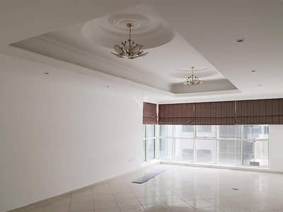 2 Bedroom Flat for Rent in Al Khan, Sharjah - Vacant 2BR+Maids | Lake View | With Parking