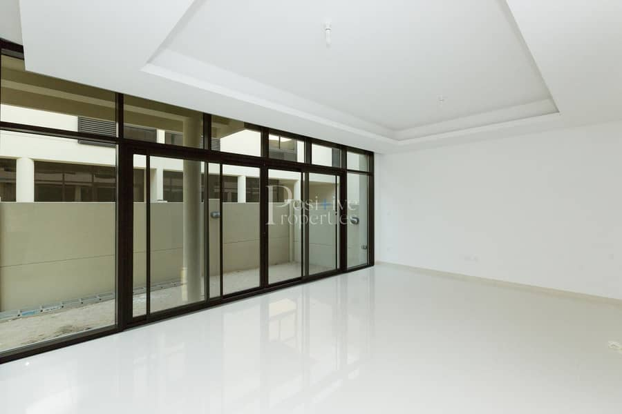 2 NEXT TO THE POOL | PARK VIEW | END - UNIT
