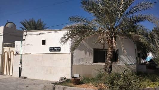 4 Bedroom Villa for Sale in Al Sabkha, Sharjah - 4 bedroom Ground floor villa for sale in al Sabkha Sharjah
