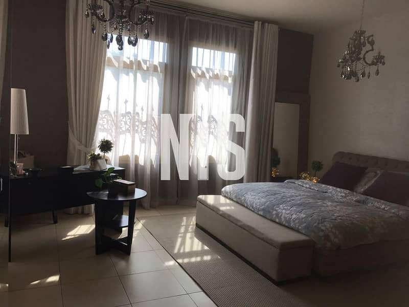 Comfortable and Elegant 4 Bedrooms Townhouse for Sale!