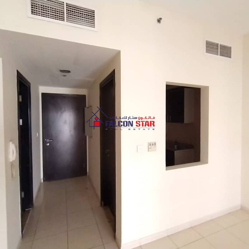 BEST RETURN OF INVESTMENT ELEGANT 1 BED CLOSE KITCHEN AND SEPARATE LAUNDRY ROOM  WITH BALCONY