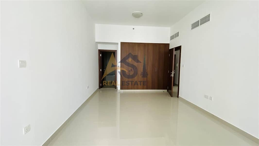 2 Elegant brand new 2BR with sea view.