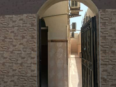 2 Bedroom Villa for Rent in Al Sabkha, Sharjah - Two-room house clean and cheap price in Sabkha