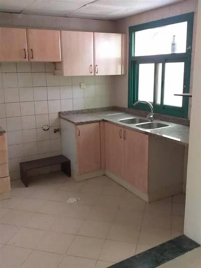 Studio for Rent in Al Mahatah, Sharjah - GRAND OFFER NO DEPOSIT BIG STUDIO WITH CLOSE KITCHEN AND NICE LIVING SPACE INJUST 14K