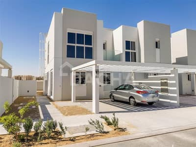 4 Bedroom Townhouse for Rent in Mudon, Dubai - Beautiful family home / Pool across road