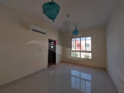شقة 2 غرفة نوم للايجار في النیادت، العین - Unimaginable Brand Street View at prime location