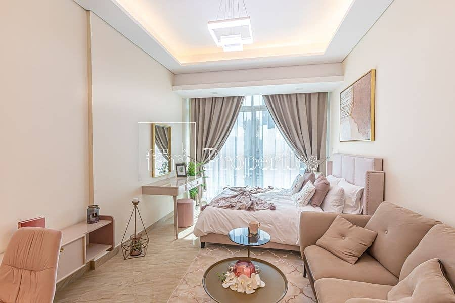 2 Stunning Studio Apartment with Miracle Garden View