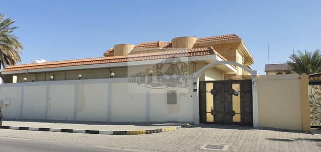 10 Bedroom Villa for Sale in Turrfana, Sharjah - Villa for sale