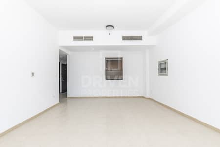 فلیٹ 2 غرفة نوم للايجار في واحة دبي للسيليكون، دبي - Well-maintained Unit w/ Multiple Options
