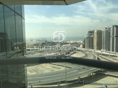 فلیٹ 2 غرفة نوم للبيع في أبراج بحيرات الجميرا، دبي - Lower Floor | Lake Facing | Upgraded | Near Metro