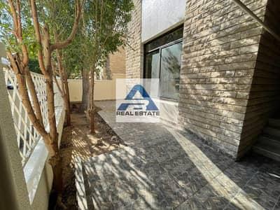 فیلا 3 غرف نوم للايجار في شارع الكورنيش، أبوظبي - Renovated Three bedrooms Villa with Yards