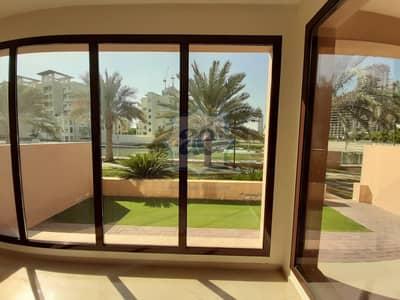 فیلا 4 غرف نوم للبيع في جزر جميرا، دبي - Full Lake View   4BR Townhouse in Jumeirah Islands
