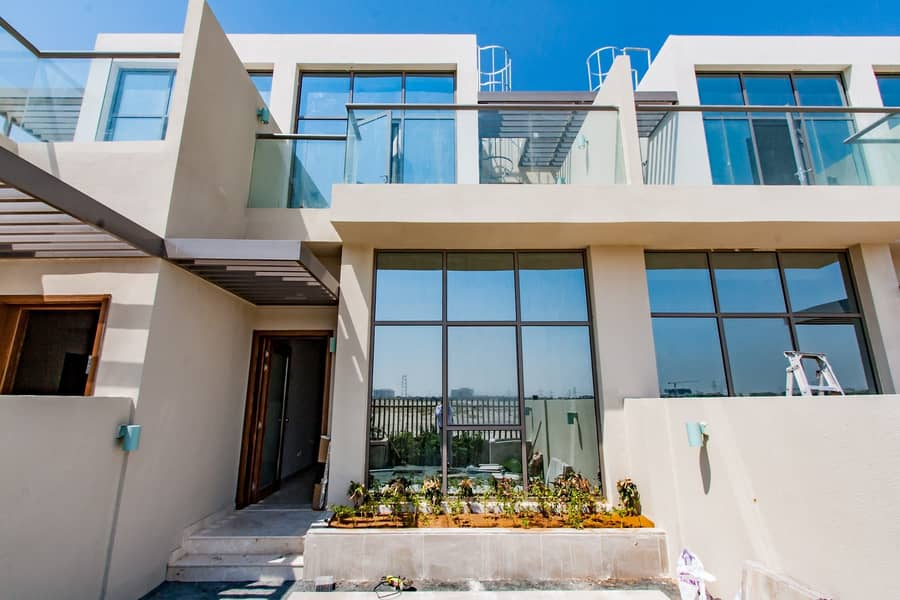 Contemporary Style | Brand New Townhouse | 4 Bed