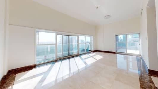2 Bedroom Apartment for Rent in Business Bay, Dubai - Half commission | High floor | Upgraded | 2 terraces