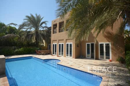 5 Bedroom Villa for Rent in The Lakes, Dubai - Private Pool | Park View | Upgraded