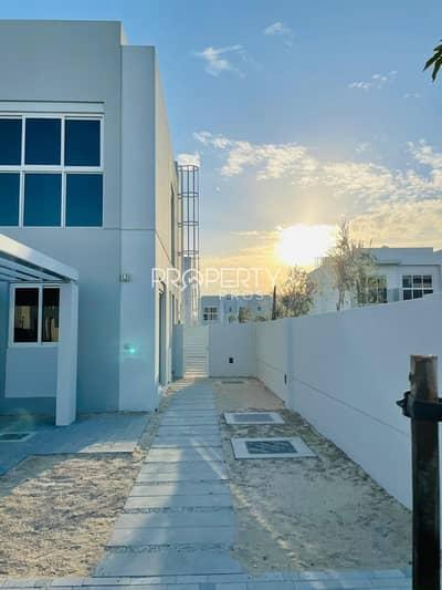 فیلا 4 غرف نوم للايجار في مدن، دبي - Brand New   Large Plot   Ready to Move In