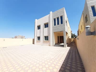 6 Bedroom Villa for Sale in Al Mowaihat, Ajman - Luxurious 5000 feet villa - wonderful design for sale