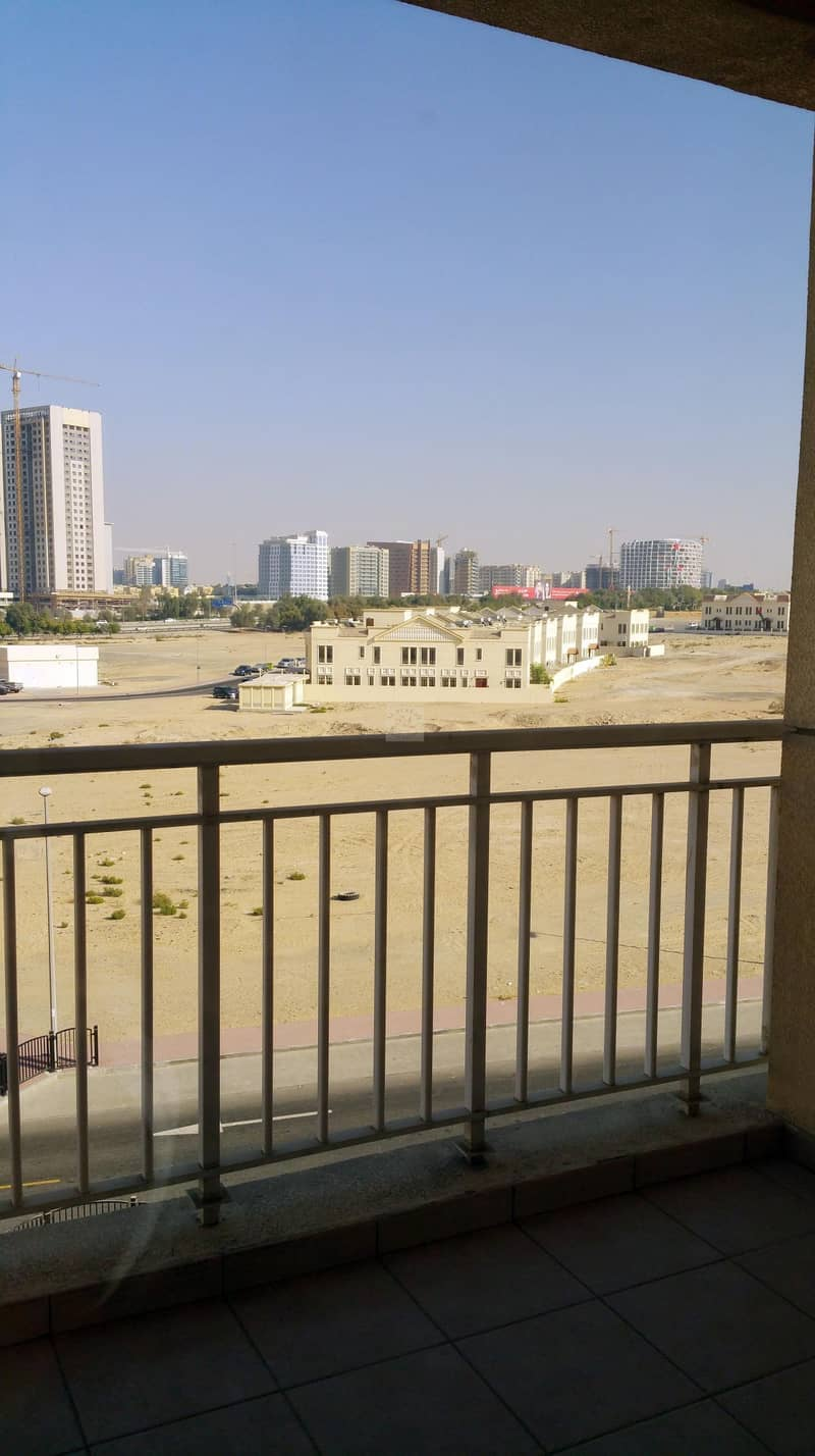 13 1 Bed with balcony for rent in qpoint Liwan