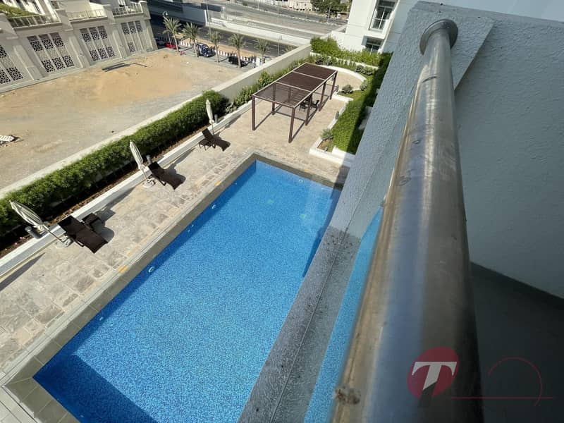 22 Comfortable Living| Pool View | Best layout|