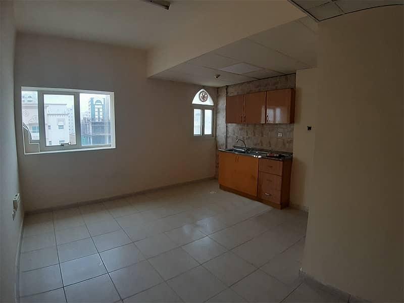 شقة في الغوير 11000 درهم - 4952708