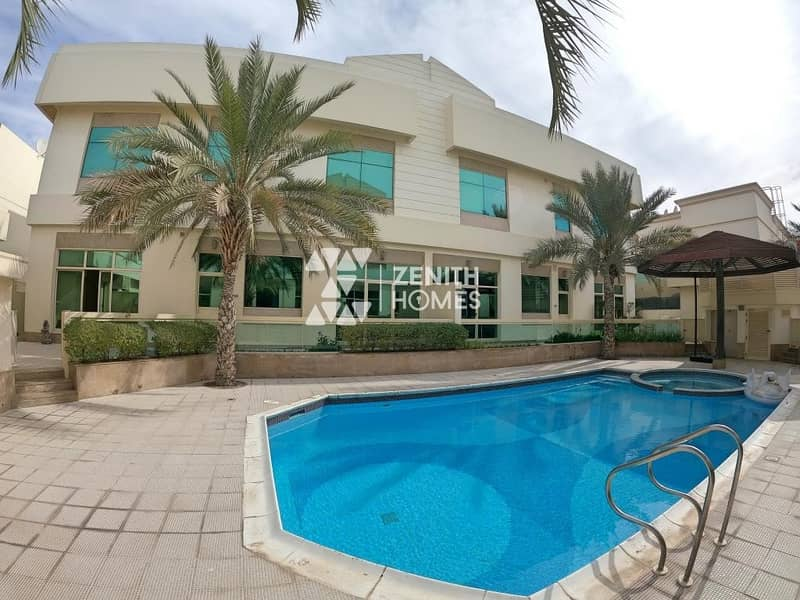Upgraded 4 Bed+Maid w/Private Garden+Common Pool